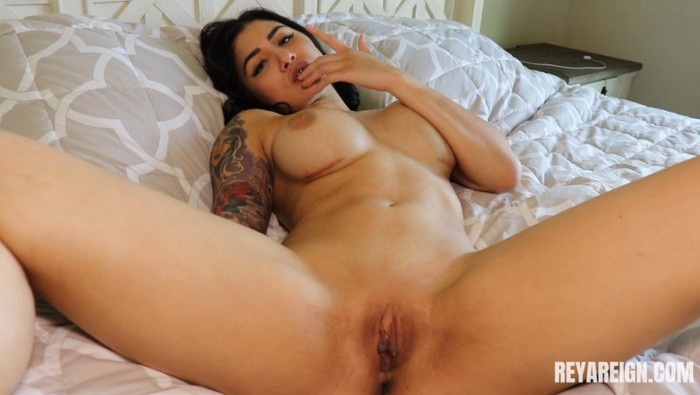Reya Reign – Caught Spying On Step-Mommy JOI