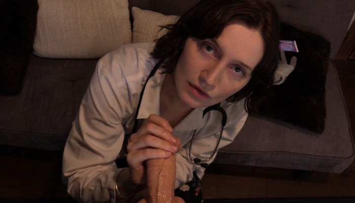 Bettie Bondage – Mom Roleplays Doctor