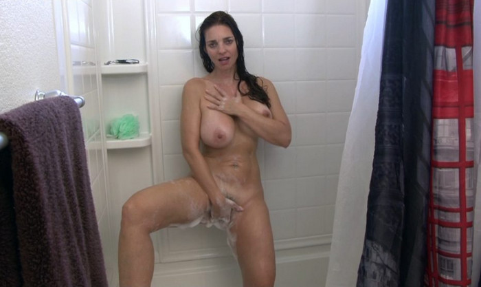 Mindi Mink – Spying On Your Step Mom In The Shower