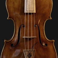 Venetian baroque violin soundhole