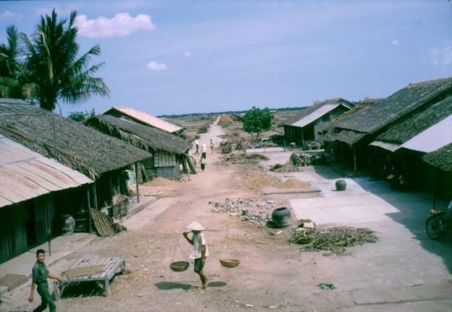 Một ngôi làng ở xã Vĩnh Công, Long An.