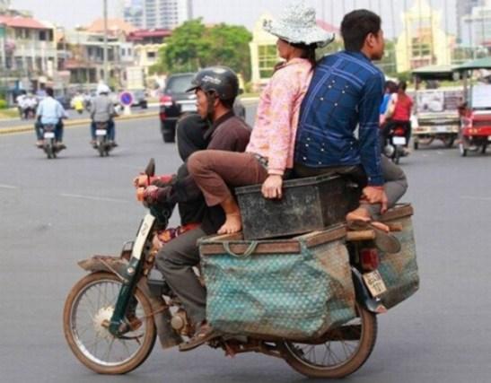 Những kiểu giao thông chỉ có ở Việt Nam.