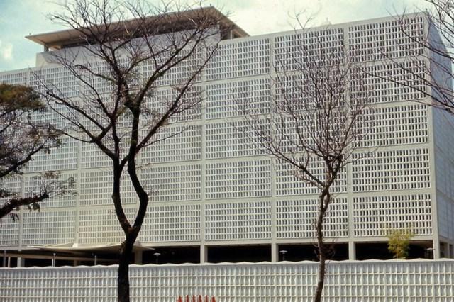 Tòa Đại sứ quán Mỹ ở đường Thống Nhất.