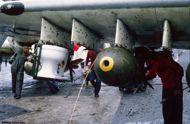 Phi vụ này được các phi công chiến đấu của Phi đoàn cường kích 25 trên tàu sân bay USS Midway thực hiện nhằm kỷ niệm để đánh dấu cột mốc 6 triệu cân Anh bom đã được thả kể từ khi tham chiến ở Việt Nam.