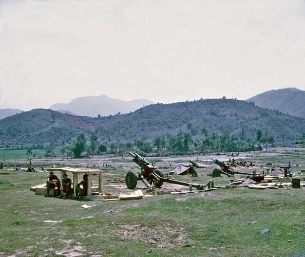 Pháo binh Mỹ ở Quảng Ngãi.
