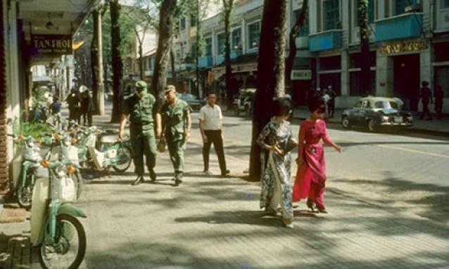 ve-dep-hut-hon-cua-phu-nu-sai-gon-nhung-nam-1960-hinh-1