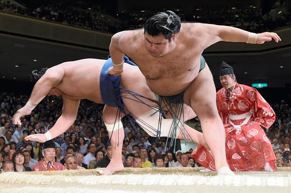 Grand Sumo Summer Tournament - Day 10