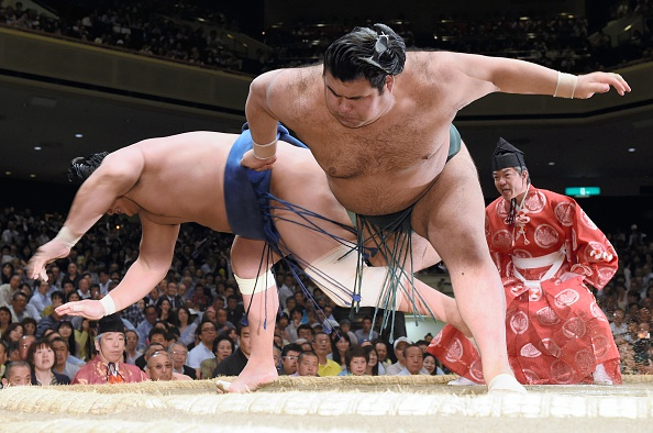 Grand Sumo Summer Tournament - Day 10