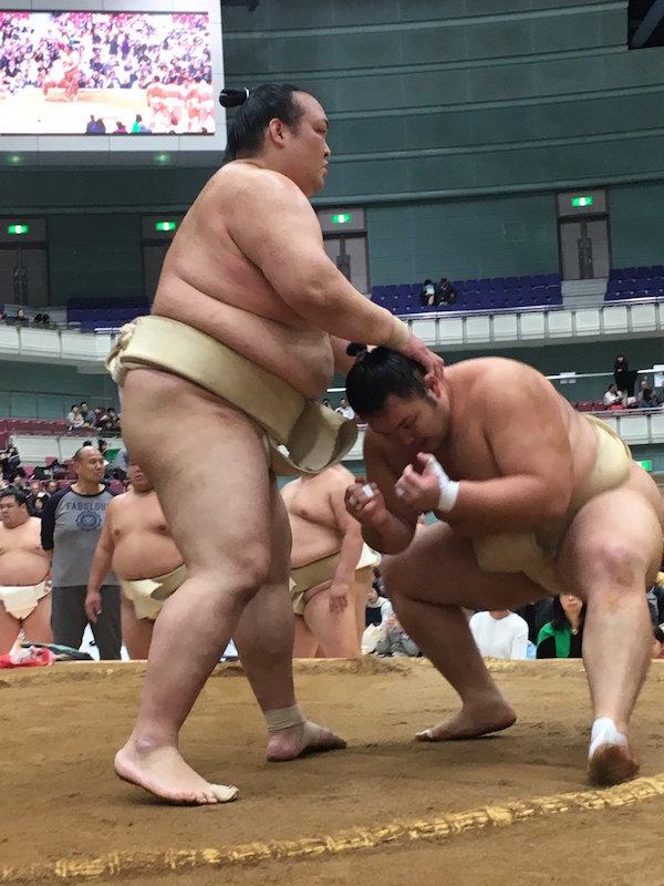 kisenosato-asanoyama-butsukari