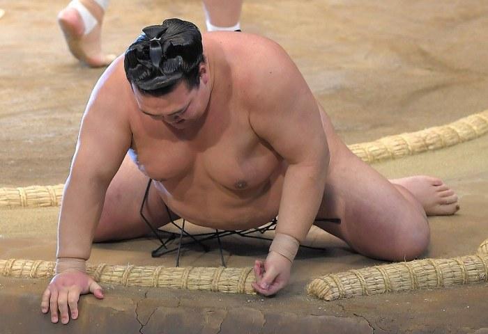 Kisenosato-down