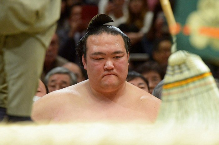 Kisenosato Worried
