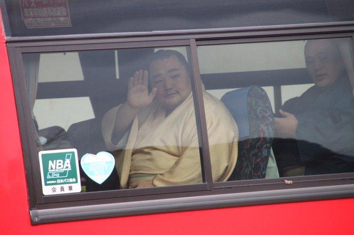 kakuryu-in-bus.jpg