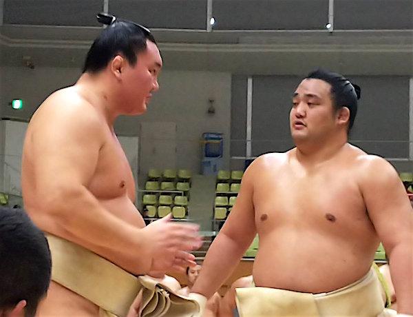 hakuho-coaching