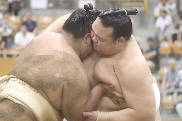 kisenosato-butsukari-chiyonoumi