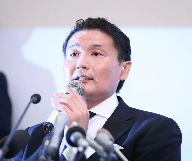 takanohana-press-conference
