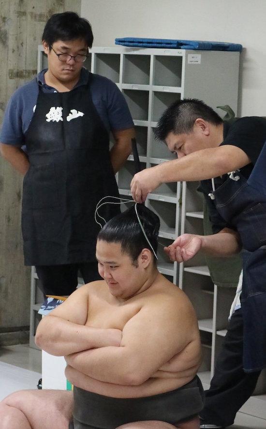 gokushindo-enjoys-his-oicho