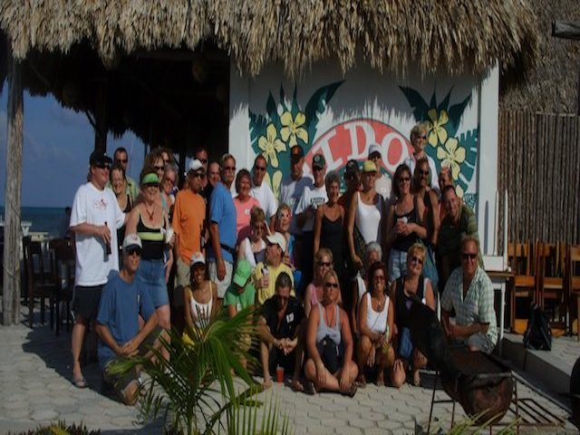 Group picture in front of Fido's