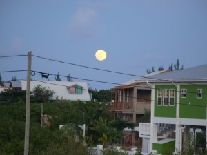 Full moon over San Pedro