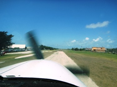 Tropic Air Cessna Caravan landing in San Pedro Belize