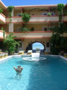 Banana Beach Belize Pool pictures