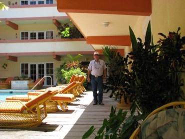 beach resort ambergris caye belize