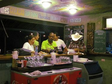 restaurants in ambergris caye