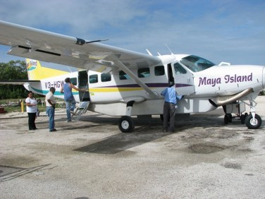 maya airplane headed to placemncia