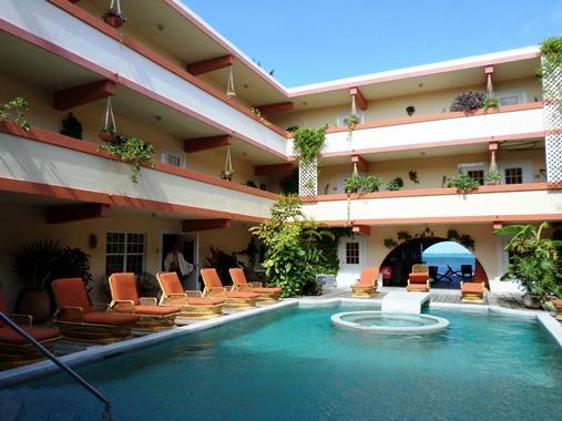 banana beach resort pool
