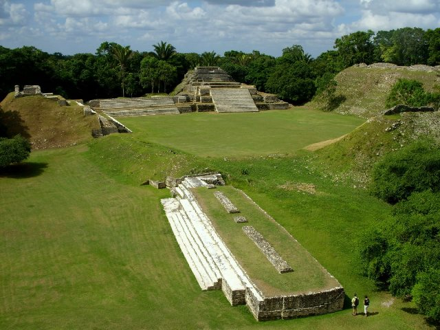 mayan archaeological sites belize