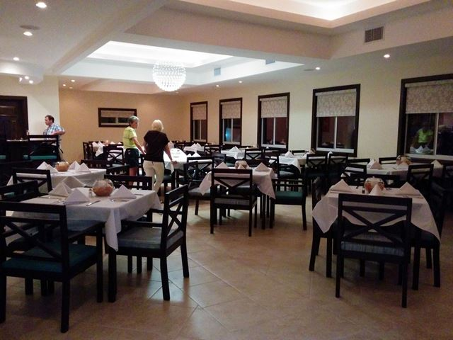rain restaurant ambergris caye