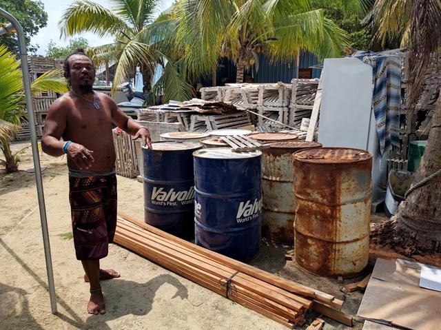 Building lobster traps on Caye Caulker