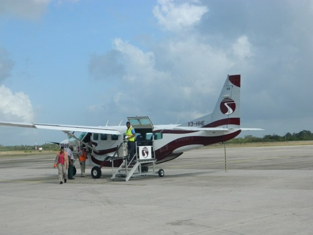 Flying roatan to Belize