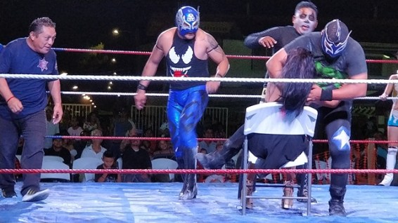 Audience Participation at Mexican Wresteling
