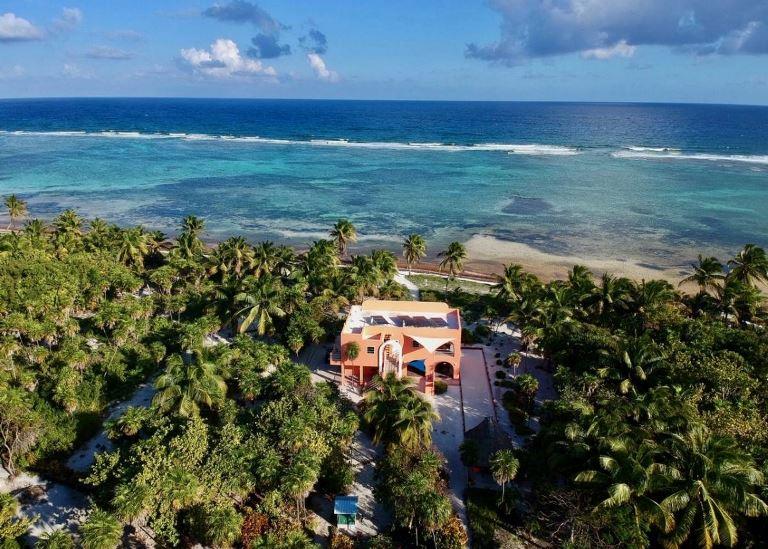 casa esperanza house in bacalar chico marine reserve