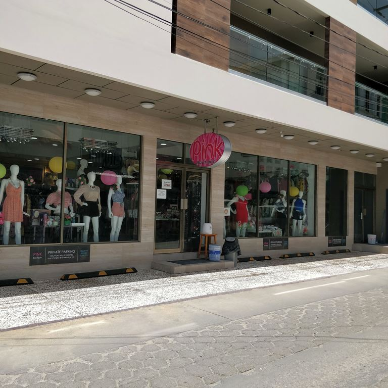 pink boutique on middle street