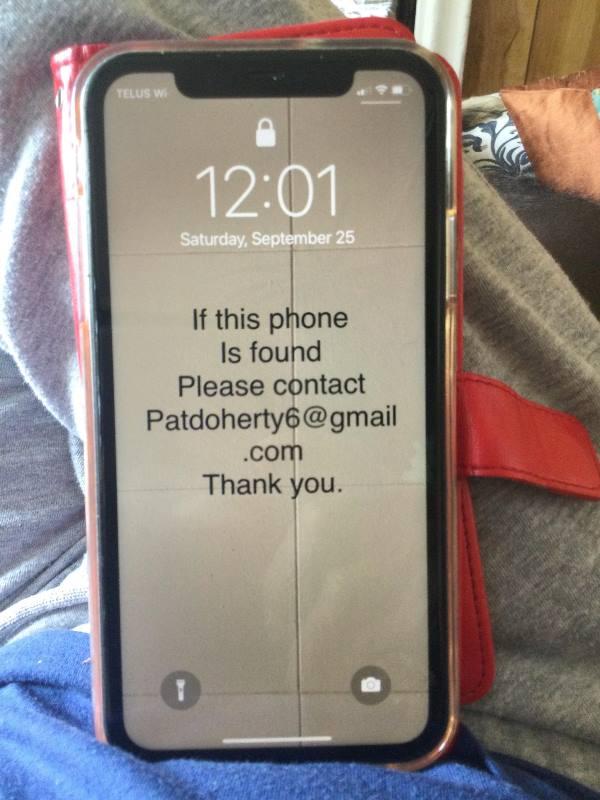 put text on iphone lock screen