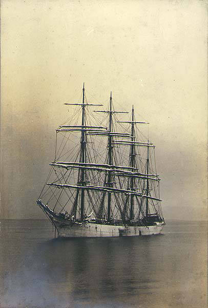 British_fourmasted_bark_SAMARITAN_at_anchor_Commencement_Bay_Washington_ca_1904