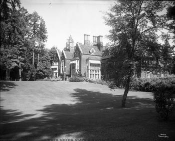 Lawn 1916