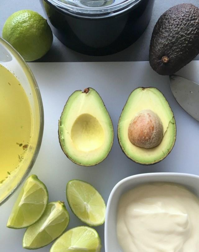 Kold avocadosuppe med koriander