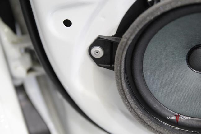 2014 toyota corolla door speaker size