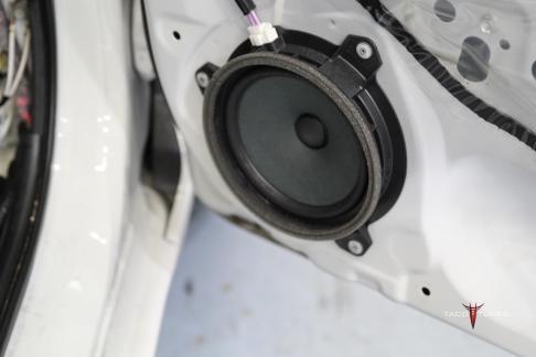 Toyota Corolla Front Door Stock Speaker Picture
