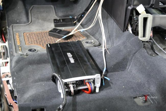 2015 Toyota Tundra CrewMax Exile Javelin 5 Channel Amplifier