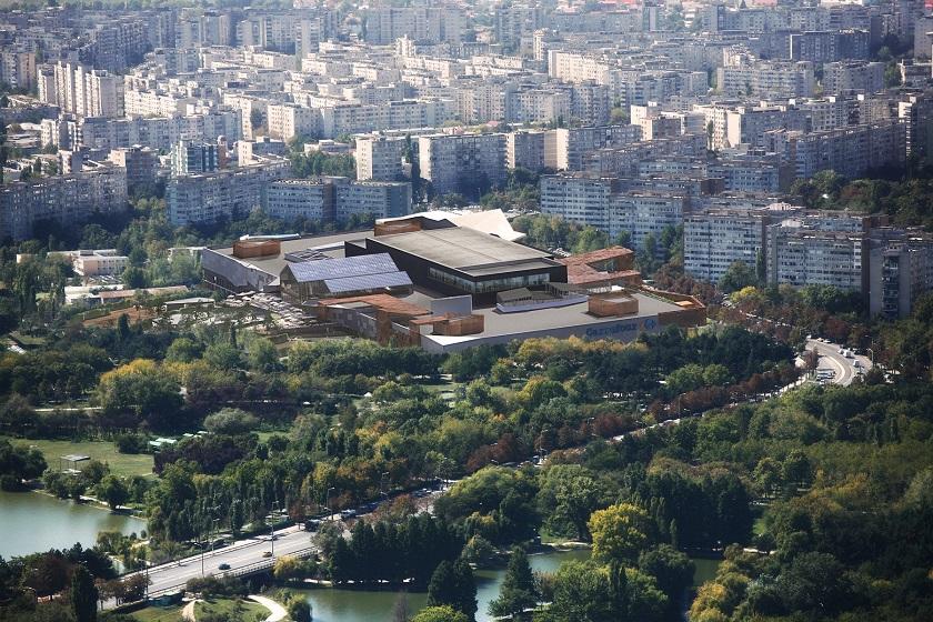 mall park lake