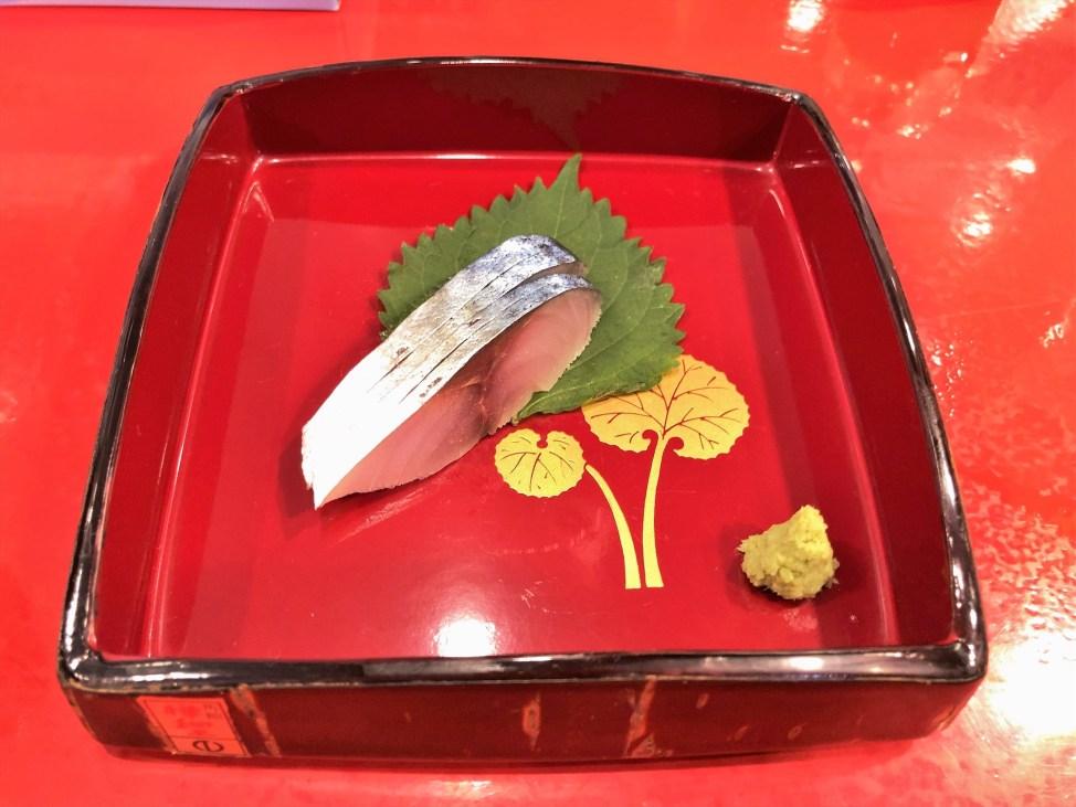 汁なし担々麺っぽい専門店 ラボラトリー「2色丼」〆鯖