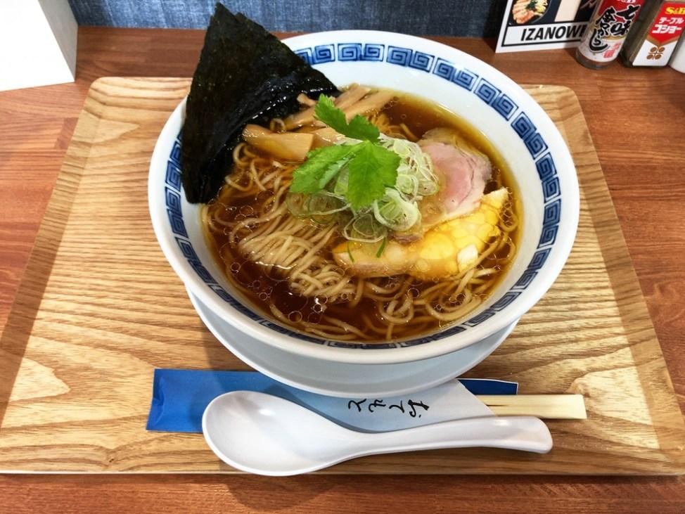 らぁ麺 IZANOW【醤油らぁ麺】