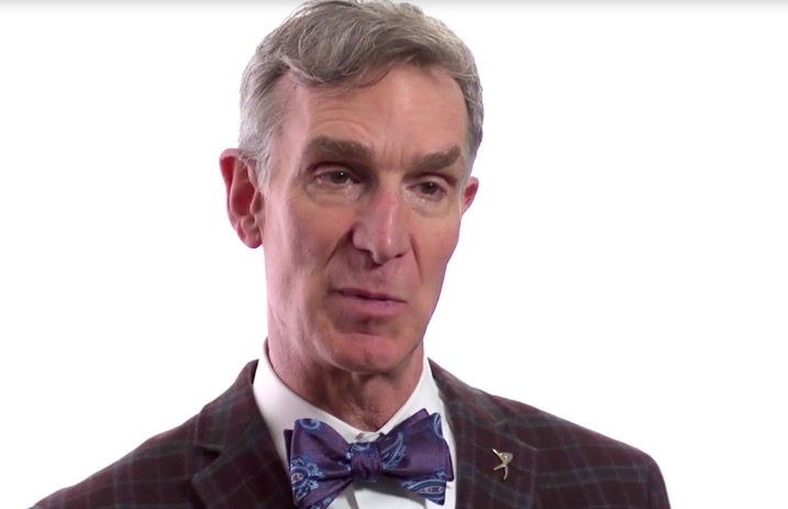The 62-year old son of father (?) and mother(?), 190 cm tall Bill Nye in 2018 photo