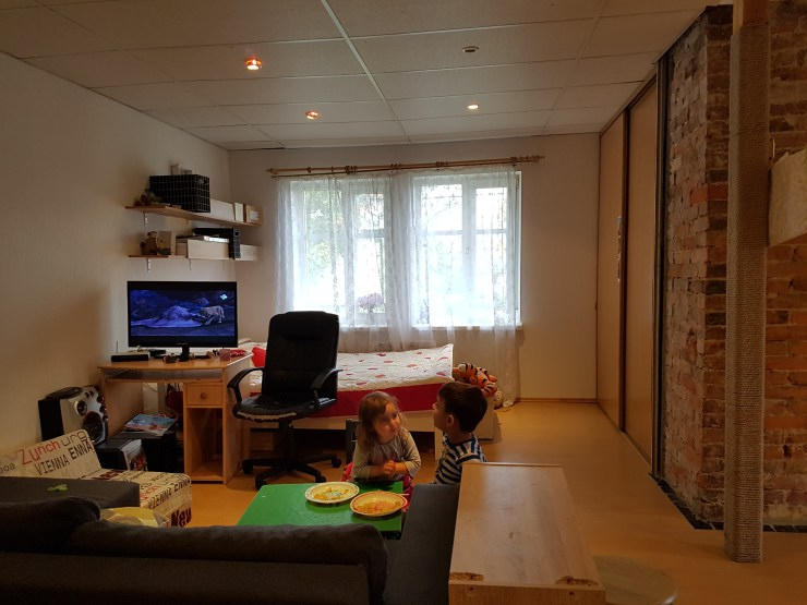 avatud planeering, seinteta elu, elutuba, magamistuba, köök