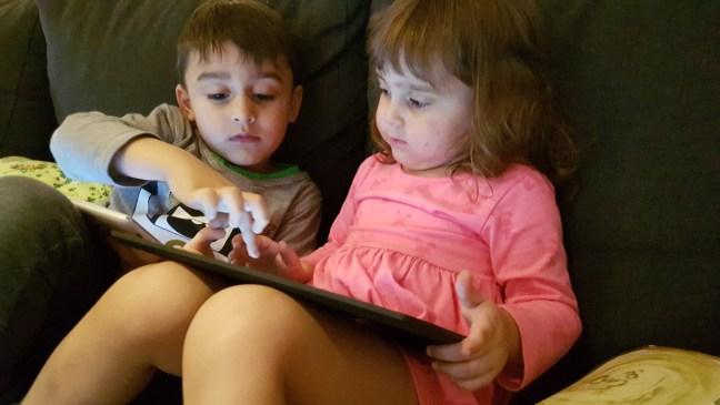 lapsed, tahvlid, tahvelarvutid, nutiseadmed