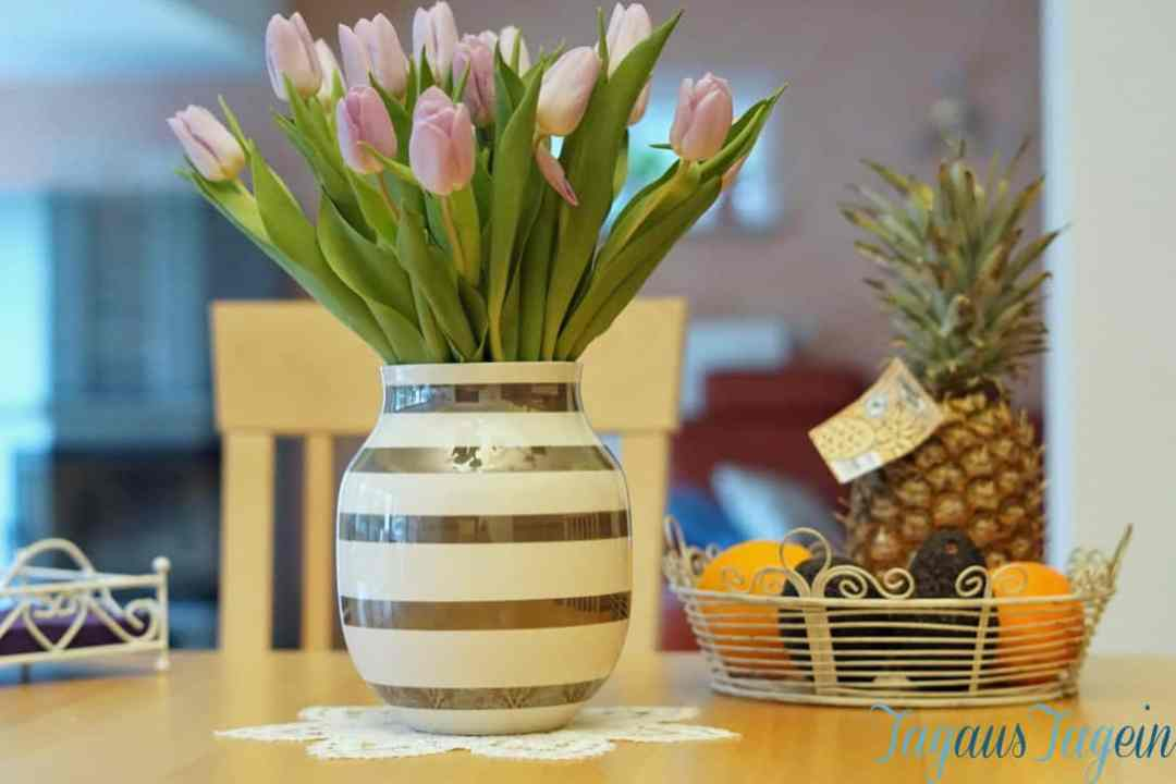 Wochenglueckblick-Tulpen-Vase-Kaehlerdesign
