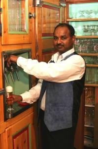 Wirt Sridharan Bhashyam - Roger vom Gasthaus Restaurant am Heuberg 1170 Wien - IndianFoodLand Vienna 17